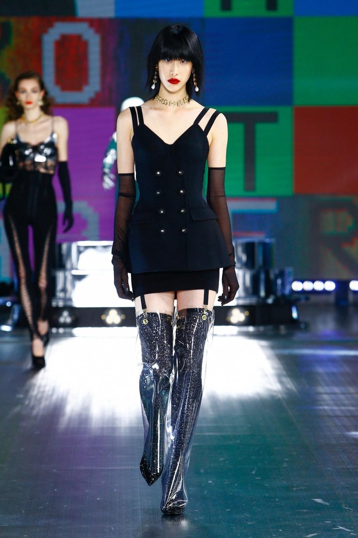 Dolce & Gabbana: Dolce & Gabbana Fall Winter 2021-22 Fashion Show Photo #28