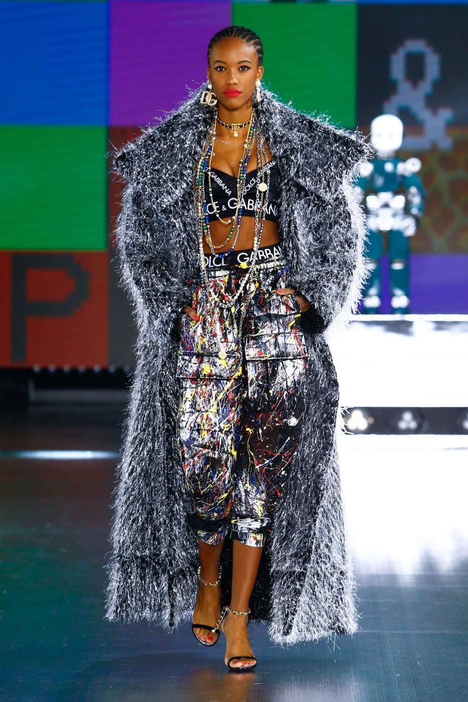 Dolce & Gabbana: Dolce & Gabbana Fall Winter 2021-22 Fashion Show Photo #23