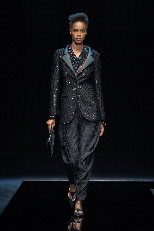 Armani: Giorgio Armani Fall Winter 2021-22 Fashion Show Photo #41