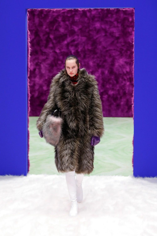 Prada: Prada Fall Winter 2021-22 Fashion Show Photo #14