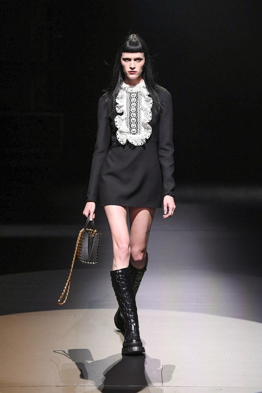 Valentino: Valentino Fall Winter 2021-22 Fashion Show Photo #3