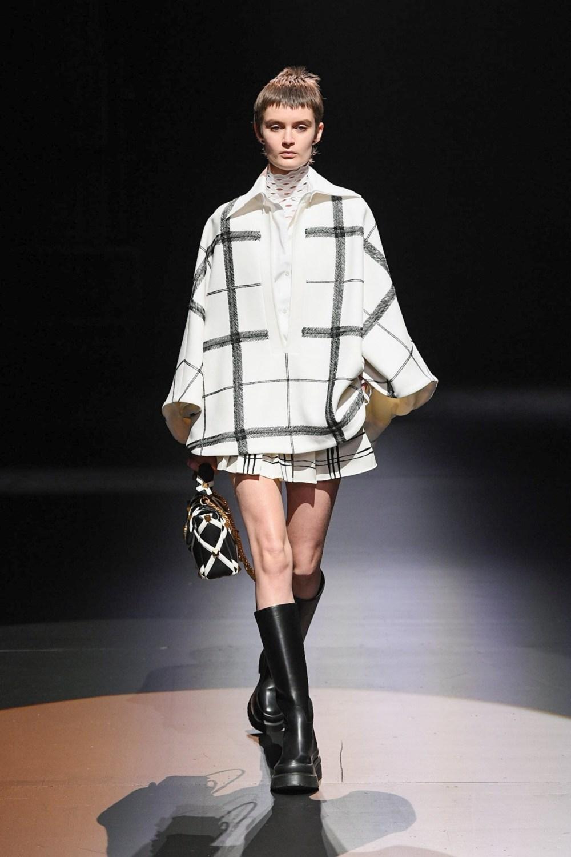 Valentino: Valentino Fall Winter 2021-22 Fashion Show Photo #26
