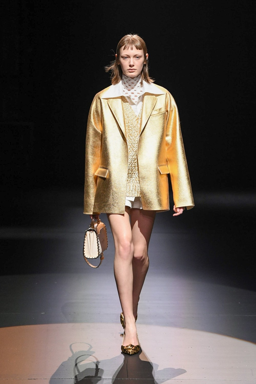 Valentino: Valentino Fall Winter 2021-22 Fashion Show Photo #32