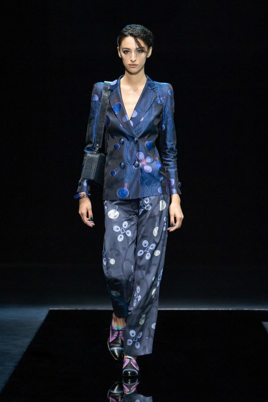Armani: Giorgio Armani Fall Winter 2021-22 Fashion Show Photo #10