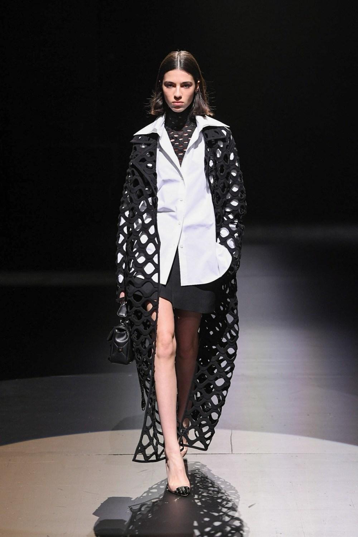 Valentino: Valentino Fall Winter 2021-22 Fashion Show Photo #15