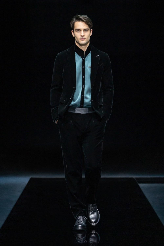Armani: Giorgio Armani Fall Winter 2021-22 Fashion Show Photo #4