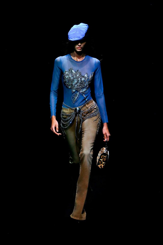 Blumarine: Blumarine Fall Winter 2021-22 Fashion Show Photo #20
