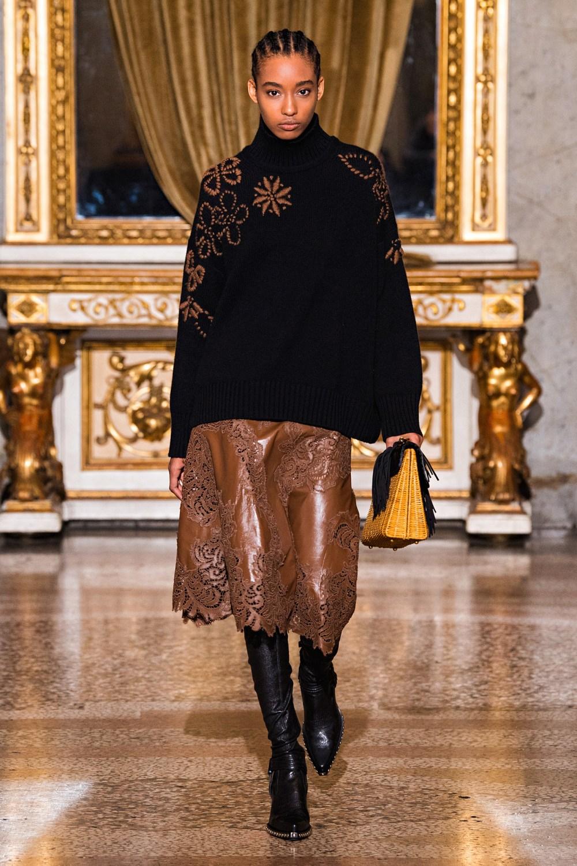 Ermanno Scervino: Ermanno Scervino Fall Winter 2021-22 Fashion Show Photo #13