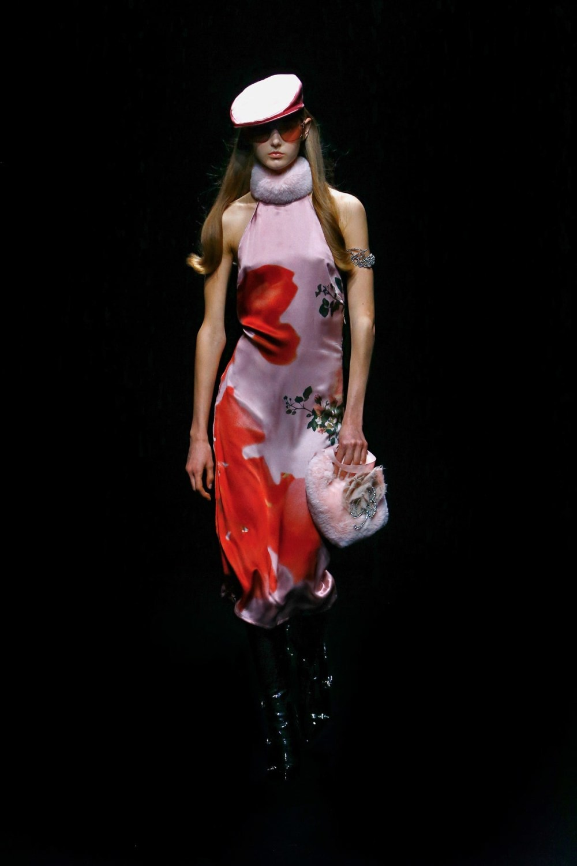Blumarine: Blumarine Fall Winter 2021-22 Fashion Show Photo #16