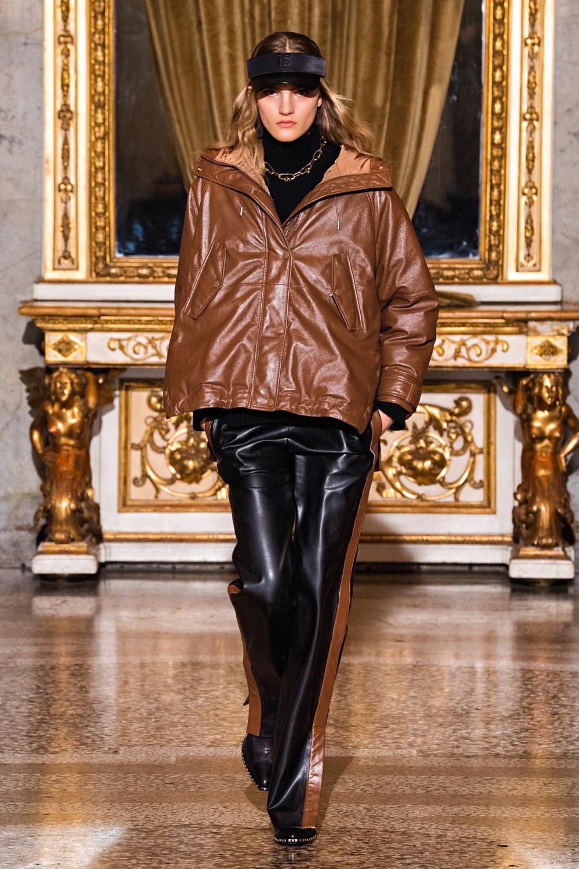 Ermanno Scervino: Ermanno Scervino Fall Winter 2021-22 Fashion Show Photo #17