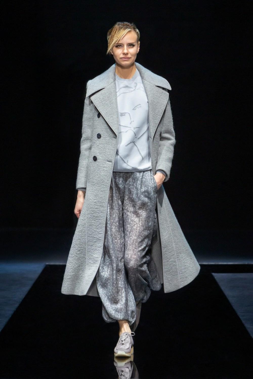 Armani: Giorgio Armani Fall Winter 2021-22 Fashion Show Photo #32