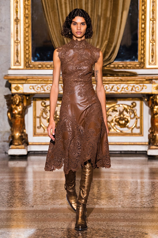 Ermanno Scervino: Ermanno Scervino Fall Winter 2021-22 Fashion Show Photo #14