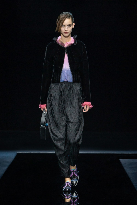 Armani: Giorgio Armani Fall Winter 2021-22 Fashion Show Photo #39