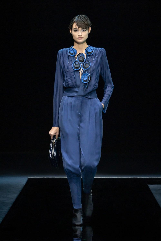Armani: Giorgio Armani Fall Winter 2021-22 Fashion Show Photo #24