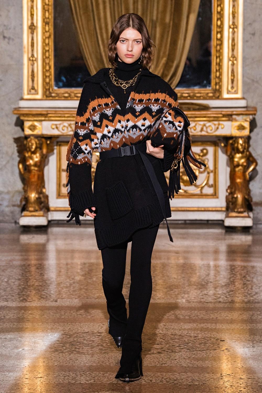 Ermanno Scervino: Ermanno Scervino Fall Winter 2021-22 Fashion Show Photo #16