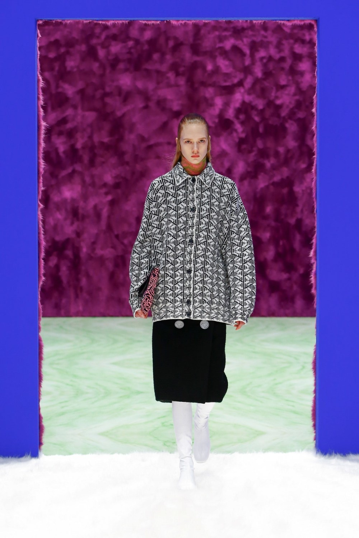 Prada: Prada Fall Winter 2021-22 Fashion Show Photo #19