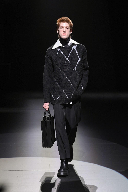 Valentino: Valentino Fall Winter 2021-22 Fashion Show Photo #9