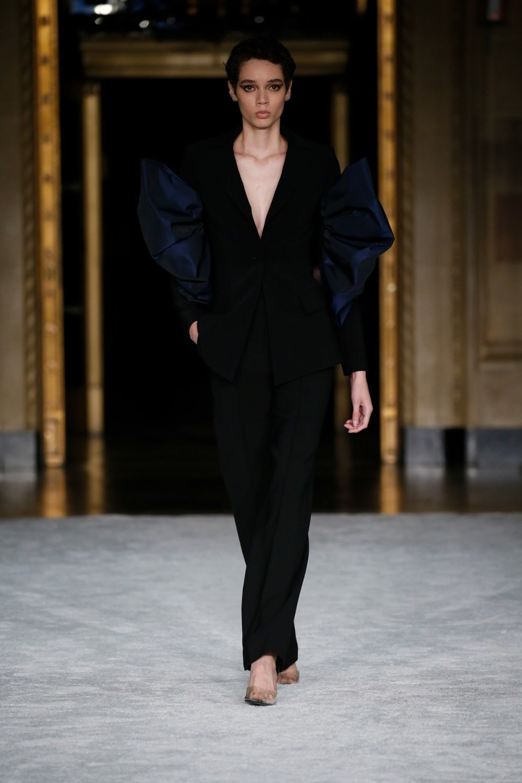 Christian Siriano: Christian Siriano Fall Winter 2021-22 Fashion Show Photo #36