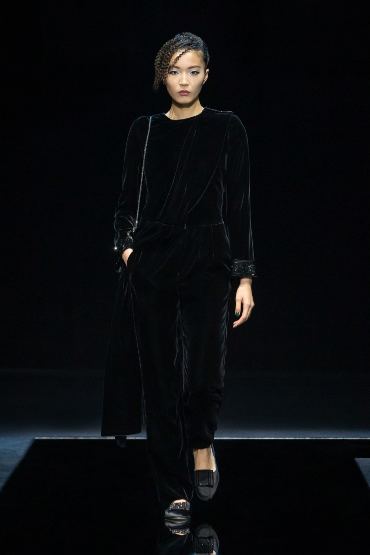 Armani: Giorgio Armani Fall Winter 2021-22 Fashion Show Photo #47