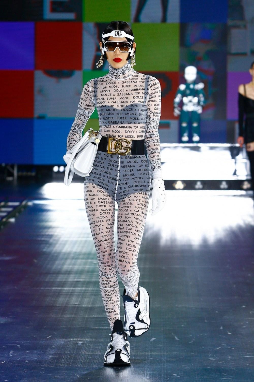 Dolce & Gabbana: Dolce & Gabbana Fall Winter 2021-22 Fashion Show Photo #26