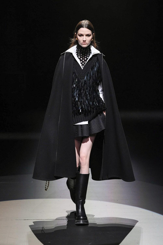 Valentino: Valentino Fall Winter 2021-22 Fashion Show Photo #49