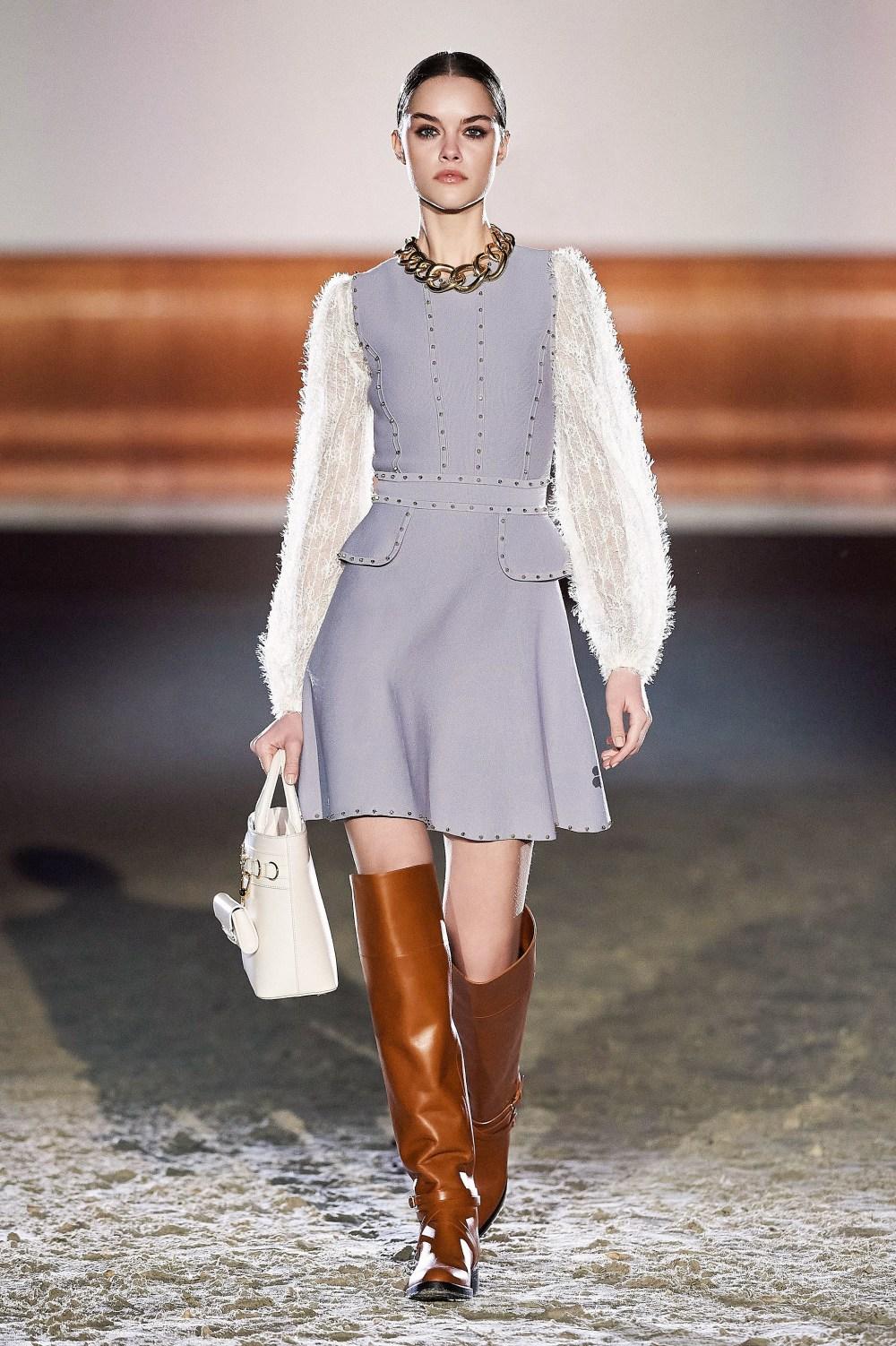 Elisabetta Franchi: Elisabetta Franchi Fall Winter 2021-22 Fashion Show Photo #19