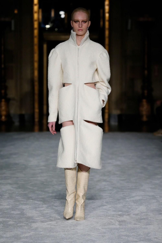 Christian Siriano: Christian Siriano Fall Winter 2021-22 Fashion Show Photo #7