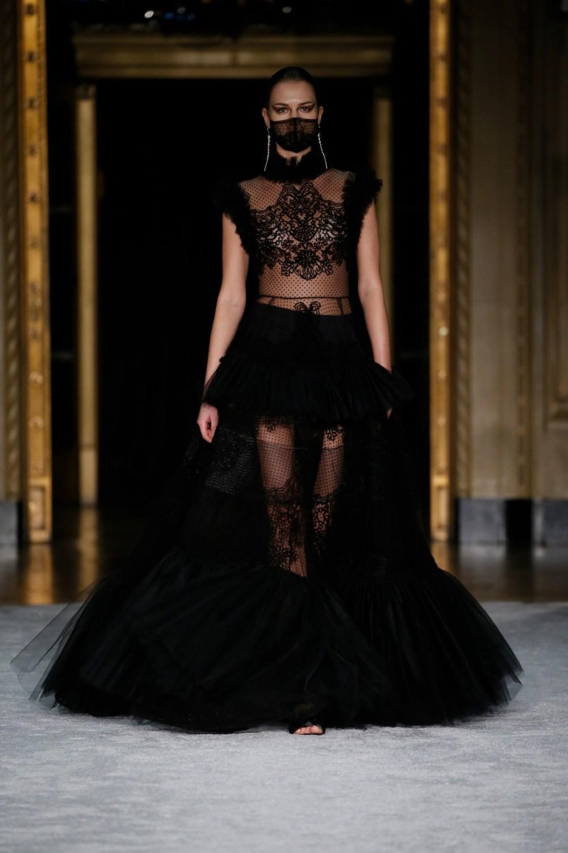 Christian Siriano: Christian Siriano Fall Winter 2021-22 Fashion Show Photo #42