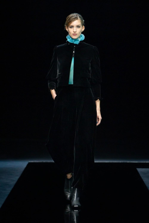 Armani: Giorgio Armani Fall Winter 2021-22 Fashion Show Photo #7
