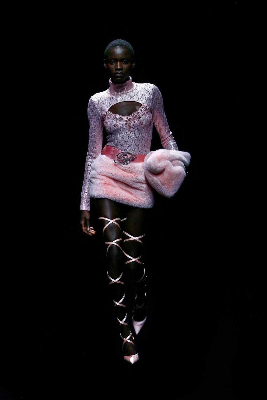 Blumarine: Blumarine Fall Winter 2021-22 Fashion Show Photo #32