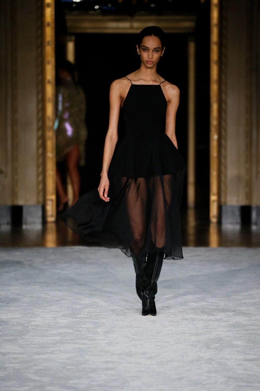Christian Siriano: Christian Siriano Fall Winter 2021-22 Fashion Show Photo #21