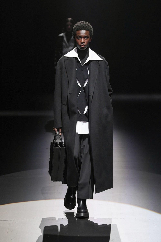 Valentino: Valentino Fall Winter 2021-22 Fashion Show Photo #14