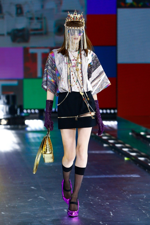 Dolce & Gabbana: Dolce & Gabbana Fall Winter 2021-22 Fashion Show Photo #9