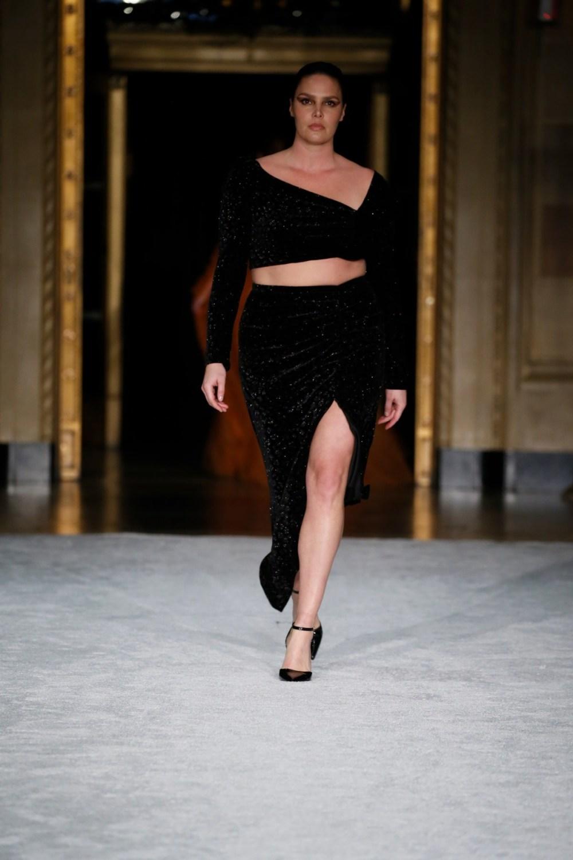 Christian Siriano: Christian Siriano Fall Winter 2021-22 Fashion Show Photo #24