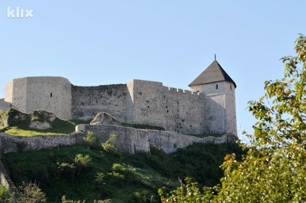 Image result for Stari grad Tešanj ili Gradina