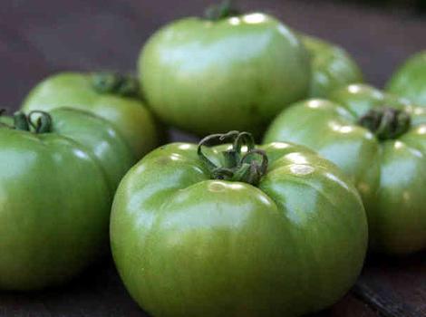 Slikovni rezultat za Ajvar sa zelenim paradajzom i paprikom