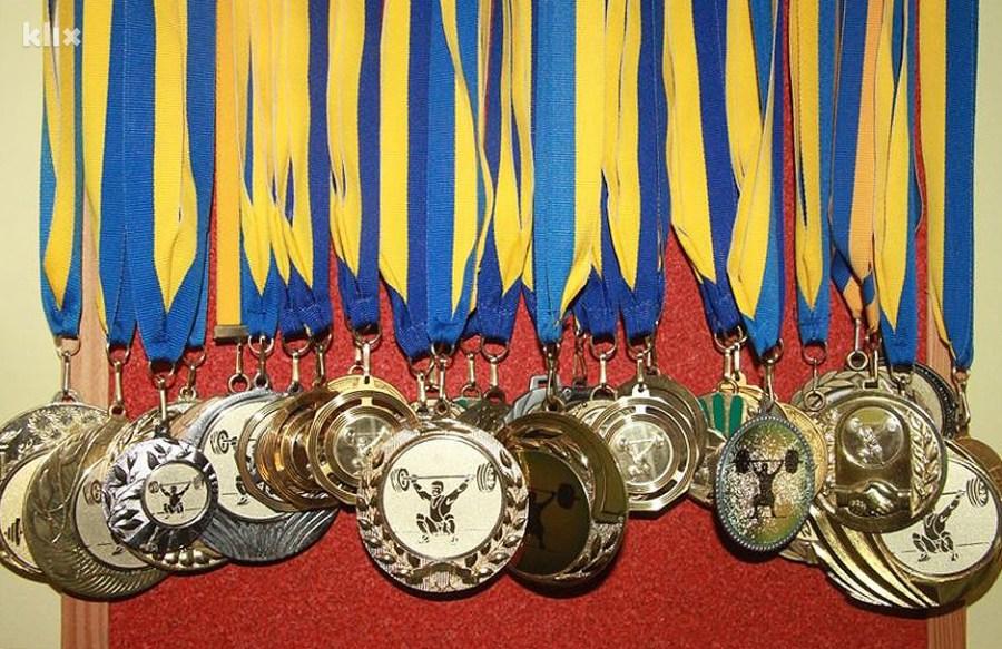 Samo dio osvojenih medalja (Foto: Elmedin Mehić/Klix.ba)