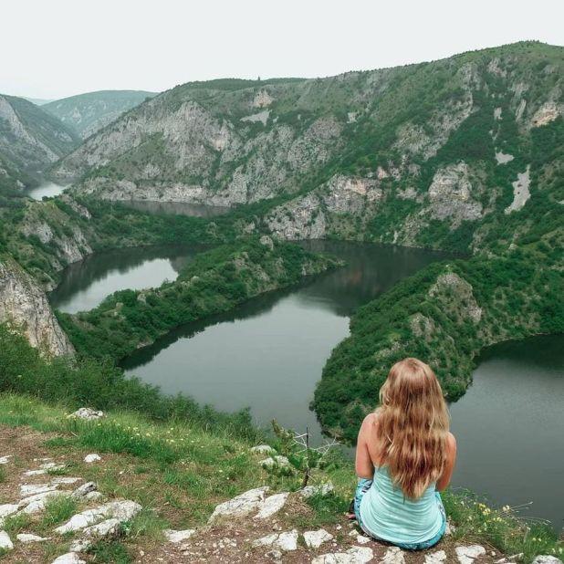 Asdghik Melkonian u Užicama, Srbija