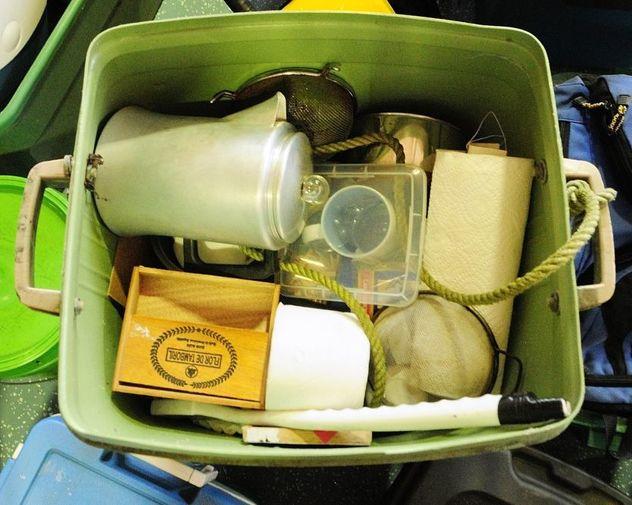 Foto: BBC / Predmeti koji su pronađeni u njegovoj improviziranoj kući