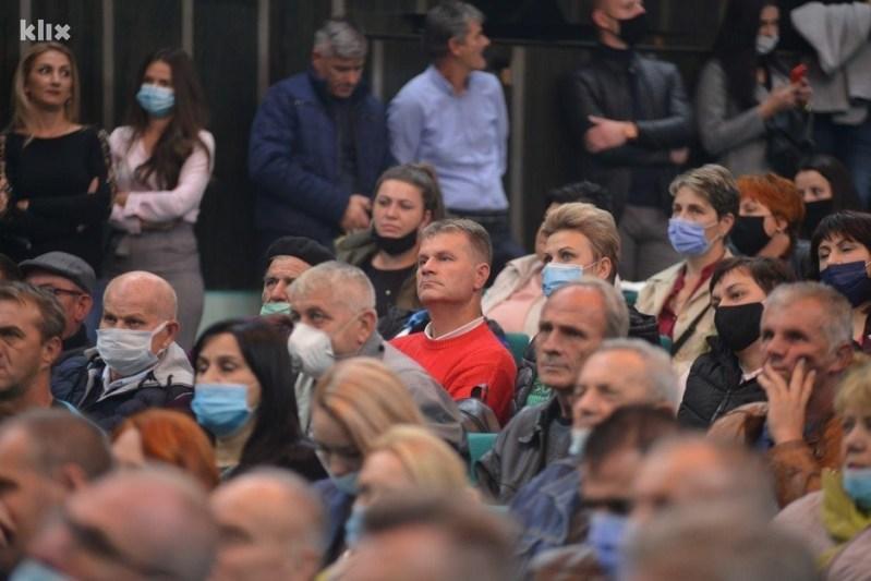 Na skupu se nisu poštovale mjere (Foto: SDA Srebrenik)