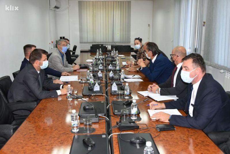 Detalj sa sastanka koji je odražan u Tuzli