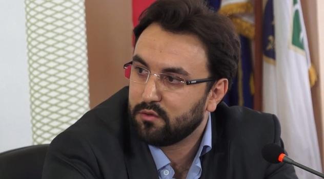 Poslanik u srbijanskoj Skupštini: Zašto je Srbija šutjela na Dan genocida u Srebrenici?