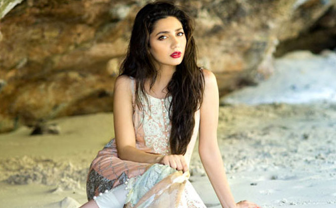 Everybody waiting for Raees in Pakistan: Mahira Khan