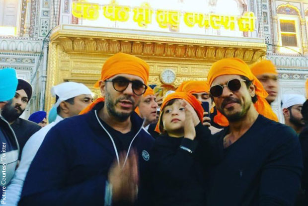 "Shah Rukh Khan visits the Golden Temple with his younger son AbRam and ""Raees"" producer Ritesh Sidhwani"