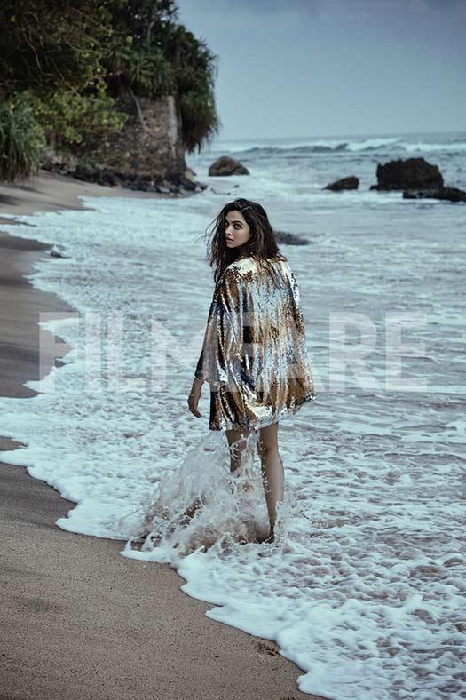 PHOTOS!!! Deepika Padukone's Latest Filmfare Photoshoot is Raunchy As Hell