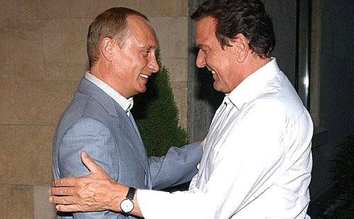 Владимир Путин и Федеральный канцлер Германии Герхард
