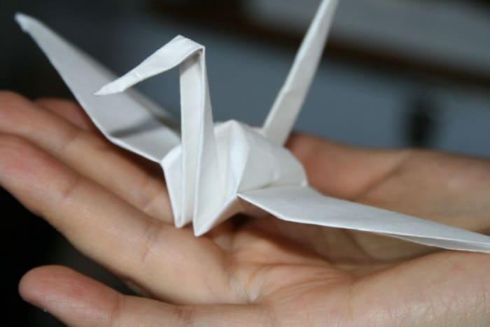 В память о девочке из Японии дети по всему миру делали бумажных журавлей | Фото: liveinternet.ru