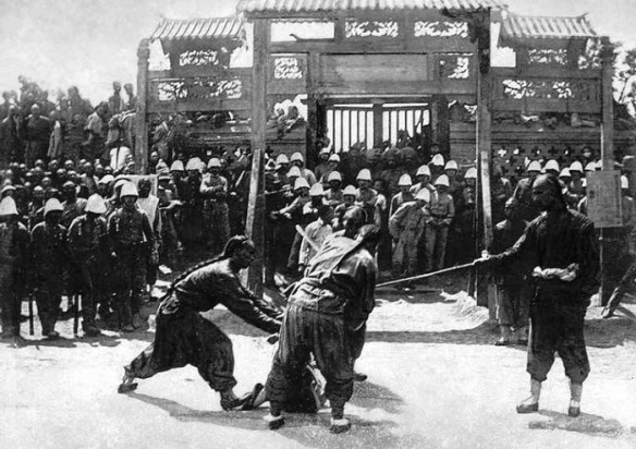 Казнь ихэтуаня. Цыси называли кровавой в том числе за подавление восстания, жертвами которого, в свою очередь, стали множество мирных жителей.