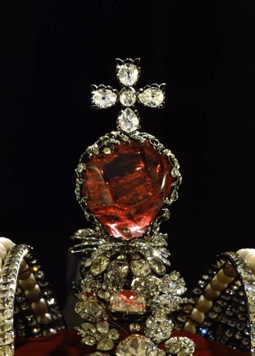 Красная шпинель Большой короны.
