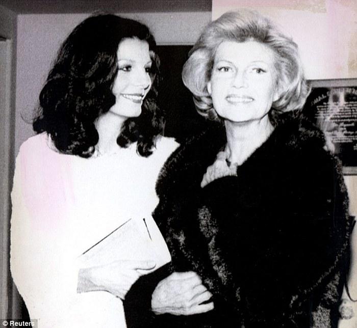 Рита Хейворд и её дочь Ясмин.